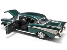 Load image into Gallery viewer, 1957 Chevy Bel Air 1:18 Scale - MotorMax Diecast Model Car (Green)