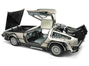 "Delorean ""Back To The Future Pt1"" 1:18 Scale - SunStar Diecast Model Car"