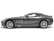 Load image into Gallery viewer, Mercedes-Benz SLR McLaren 1:18 Scale - Maisto Diecast Model Car (Grey)