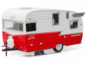 Shasta 15' AIRFLYTE Caravan Trailer 1:24 Scale - Greenlight Diecast Model (Red)
