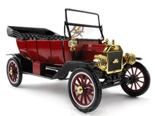 Load image into Gallery viewer, 1915 Ford Model T Convertible (Top Down) 1:18 Scale - Motor City Classics Diecast Model Car (Red)