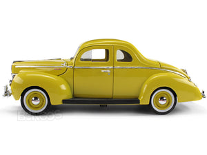 1940 Ford Deluxe Coupe 1:18 Scale - MotorMax Diecast Model Car (Yellow)