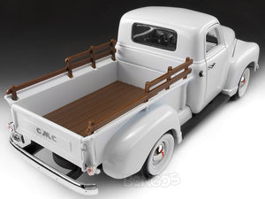 1950 GMC 150 Pickup 1:18 Scale - Yatming Diecast Model Car (White)