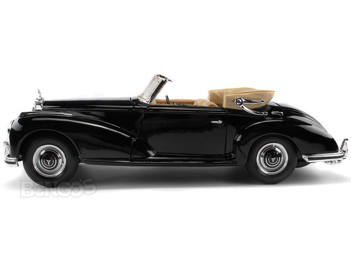 1955 Mercedes-Benz 300S Cabriolet 1:18 Scale - Maisto Diecast Model Car (Black)