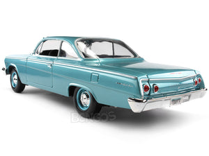 1962 Chevy Bel Air Hardtop 1:18 Scale - Maisto Diecast Model Car (Turquoise)
