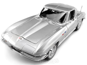 1965 Chevy Corvette Stingray 1:18 Scale - Maisto Diecast Model Car (Silver)