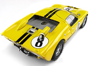1966 Ford GT-40 (GT40) Mk II #8 Le Mans Whitmore/Gardner 1:18 Scale - Shelby Collectables Diecast Model Car (Yellow)