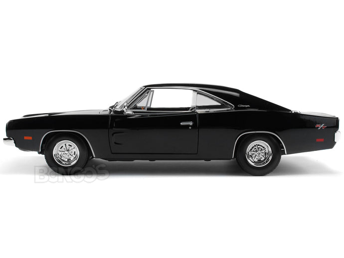 1969 Dodge Charger R/T 1:18 Scale - Maisto Diecast Model Car (Black)