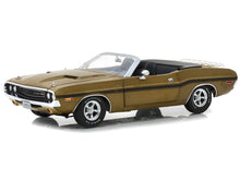 Load image into Gallery viewer, 1970 Dodge Challenger R/T 426 HEMI Convertible 1:18 Scale - Greenlight Diecast Model Car (Gold)