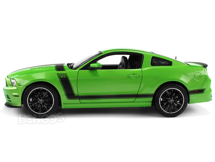 2013 Ford Mustang Boss 302 1:18 Scale - Shelby Collectables Diecast Model Car (Green)