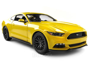 2015 Ford Mustang GT 1:18 Scale - Maisto Diecast Model Car (Yellow)