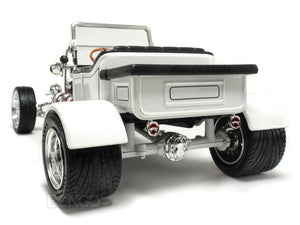 "1923 Ford Model T ""T-Bucket"" 1:18 Scale - Yatming Diecast Model Car (White)"