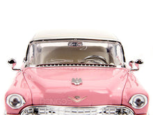 "Load image into Gallery viewer, ""ELVIS"" - 1955 Cadillac Fleetwood w/ Elvis Figure 1:24 Scale - Jada Diecast Model"