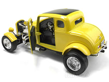 "Load image into Gallery viewer, 1932 Ford Coupe ""American Graffiti - Look-a-Like"" 1:18 Scale - MotorMax Diecast Model Car (Yellow)"