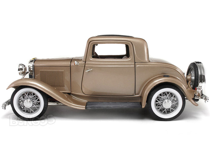 1932 Ford Coupe (3 Window) 1:18 Scale - Yatming Diecast Model Car (Champ)