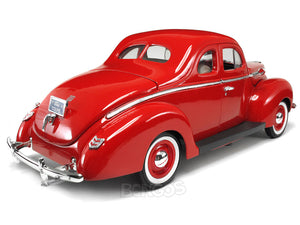 1940 Ford Deluxe Coupe 1:18 Scale - MotorMax Diecast Model Car (Red)