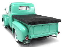 Load image into Gallery viewer, 1948 Ford F-1 Pickup 1:18 Scale - Yatming Diecast Model Car (Green)
