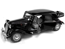 Load image into Gallery viewer, 1952 Citroen 15CV 1:18 Scale - Maisto Diecast Model Car (Black)