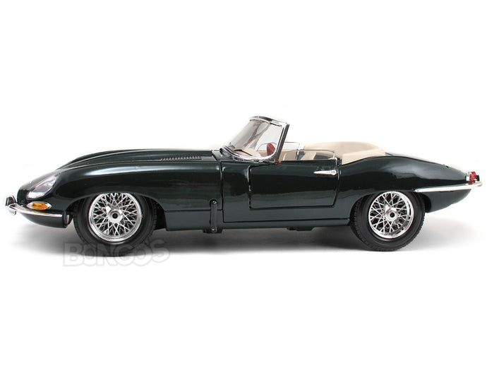 1961 Jaguar E-Type Roadster 1:18 Scale - Bburago Diecast Model Car (Green)
