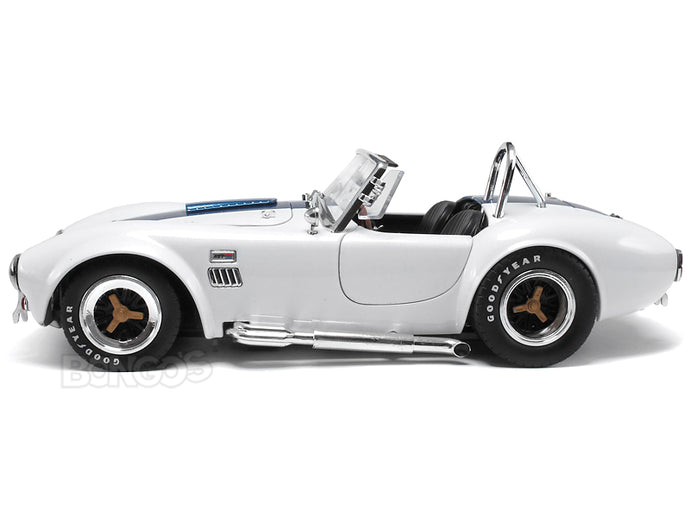 1965 Shelby Cobra 427 S/C 1:18 Scale - Shelby Collectables Diecast Model Car (WHite/Blue)