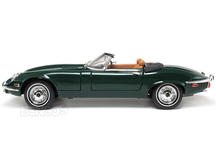 1971 Jaguar E-Type Roadster 1:18 Scale - Yatming Diecast Model Car (Green)