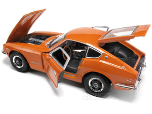 1971 Datsun 240Z 1:18 Scale - Maisto Diecast Model Car (Orange)