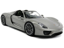 Load image into Gallery viewer, Porsche 918 Spyder 1:18 Scale - Welly Diecast Model Car (Grey/Roof Off)