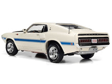 Load image into Gallery viewer, 1970 Shelby Mustang GT500 428 Cobra Jet 1:18 Scale - AutoWorld Diecast Model Car
