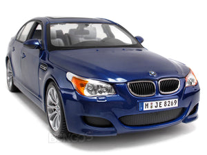 BMW M5 1:18 Scale - Maisto Diecast Model Car (Blue)