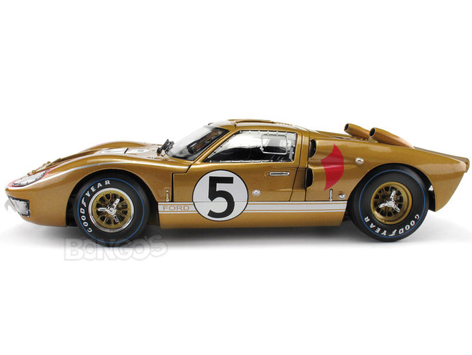 1966 Ford GT-40 (GT40) Mk II #5 Le Mans Bucknum/Hutcherson 1:18 Scale - Shelby Collectables Diecast Model Car (Gold)