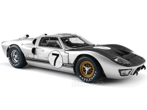 1966 Ford GT-40 (GT40) Mk II #7 Le Mans Hill/Muir 1:18 Scale - Shelby Collectables Diecast Model Car (Silver)