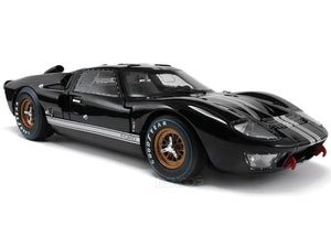 1966 Ford GT-40 (GT40) Mk II 1:18 Scale - Shelby Collectables Diecast Model Car (Black)