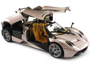 "Pagani Huayra ""Platinum Collection"" 1:18 Scale - MotorMax Diecast Model Car (Pink)"