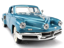 Load image into Gallery viewer, 1948 Tucker Torpedo 1:18 Scale - Yatming Diecast Model Car (Blue)