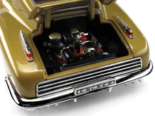 Load image into Gallery viewer, 1948 Tucker Torpedo 1:18 Scale - Yatming Diecast Model Car (Gold)