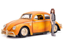 "Load image into Gallery viewer, ""TRANSFORMERS"" - Bumblebee VW Bug w/ Charlie Figure 1:24 Scale - Jada Diecast Model"