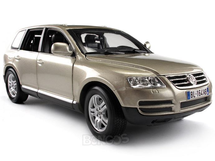 VW Touareg 1:18 Scale - Bburago Diecast Model Car
