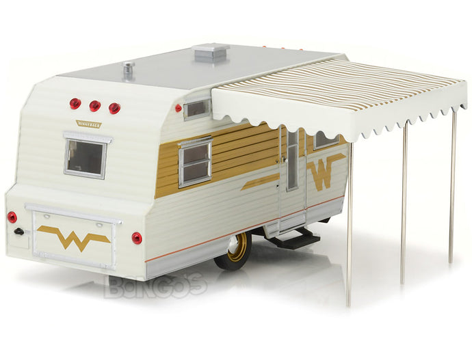 1964 Winnebago 216 Caravan Trailer 1:24 Scale - Greenlight Diecast Model (Gold)