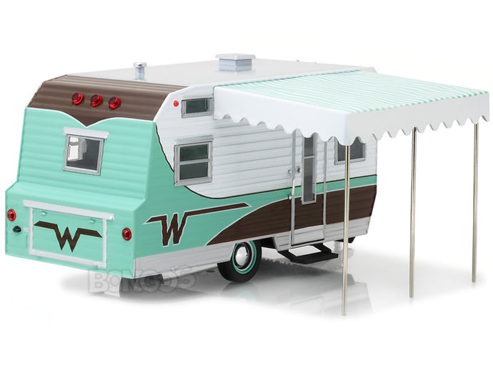 1964 Winnebago 216 Caravan Trailer 1:24 Scale - Greenlight Diecast Model (Green)