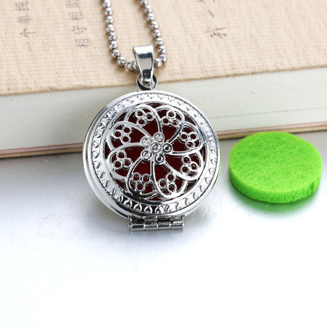 Circles Aroma Diffuser Necklace Open Lockets