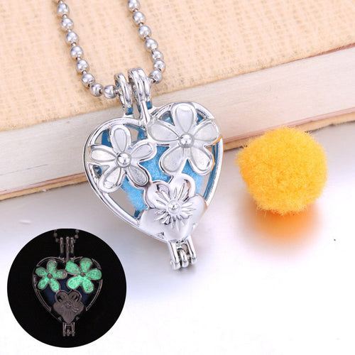 Flower Aroma Diffuser Necklace Lockets Glowing in