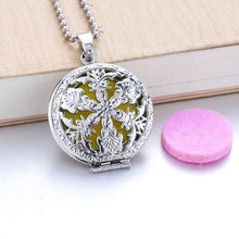 Load image into Gallery viewer, Flower Aroma Diffuser Necklace Open Antique