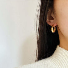 Load image into Gallery viewer, Zélie Gold Hoop Earrings