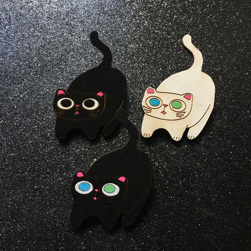 Blep - Handpainted Cat Face Wooden Pin