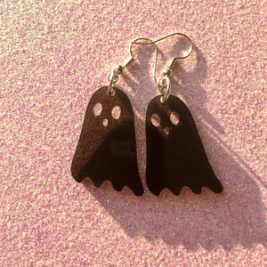 Smoky Dead Friends! Earrings (Aka The Cutest Ghosties)