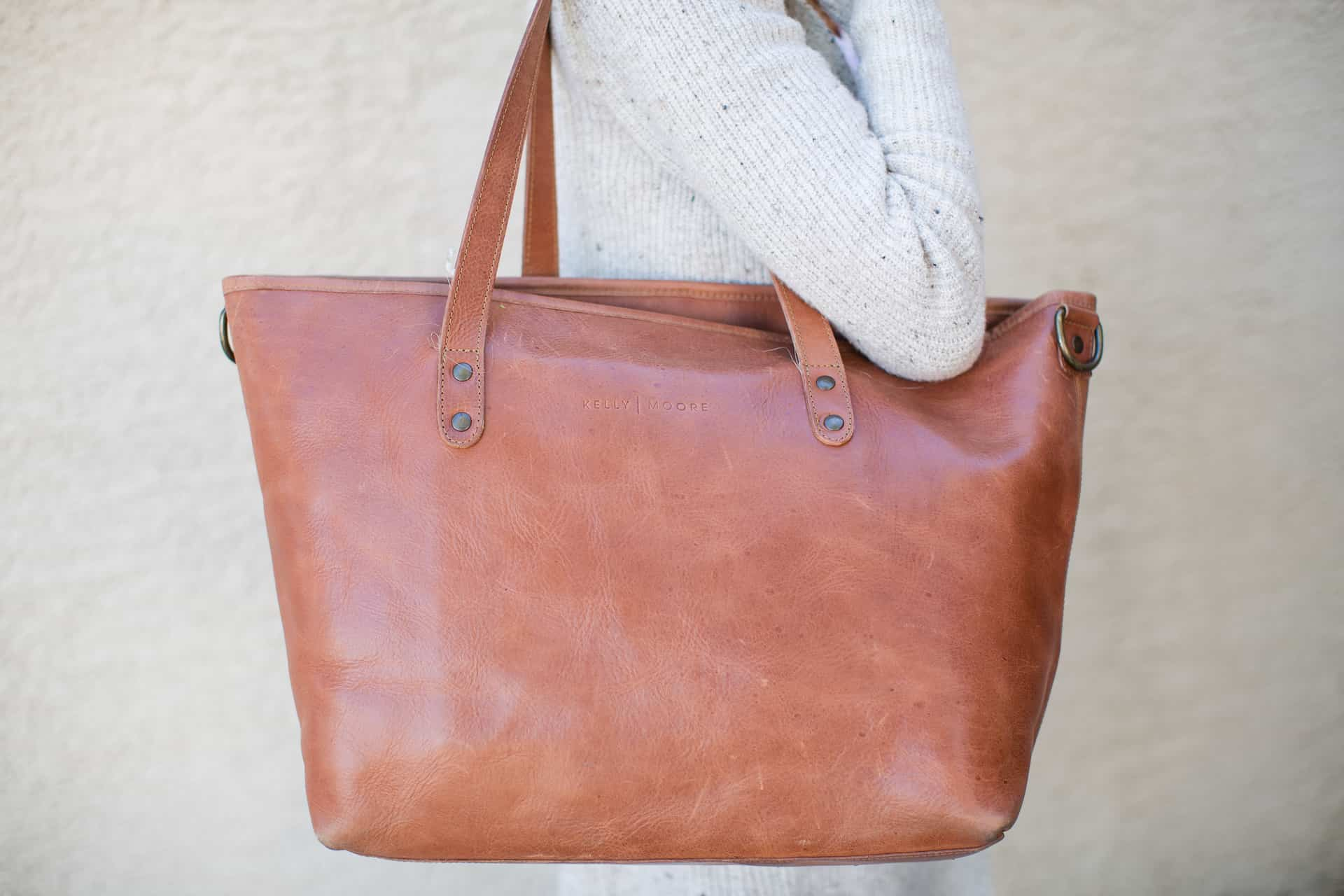 Best Camera Bags for Women - Kelly Moore Weekender Tote