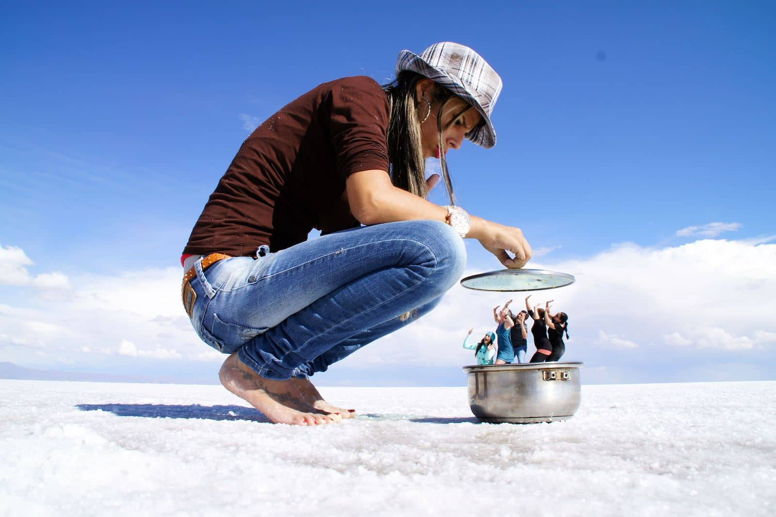 Best Forced Perspective Photography Examples for Photographers — People in Pot — Sunny 16