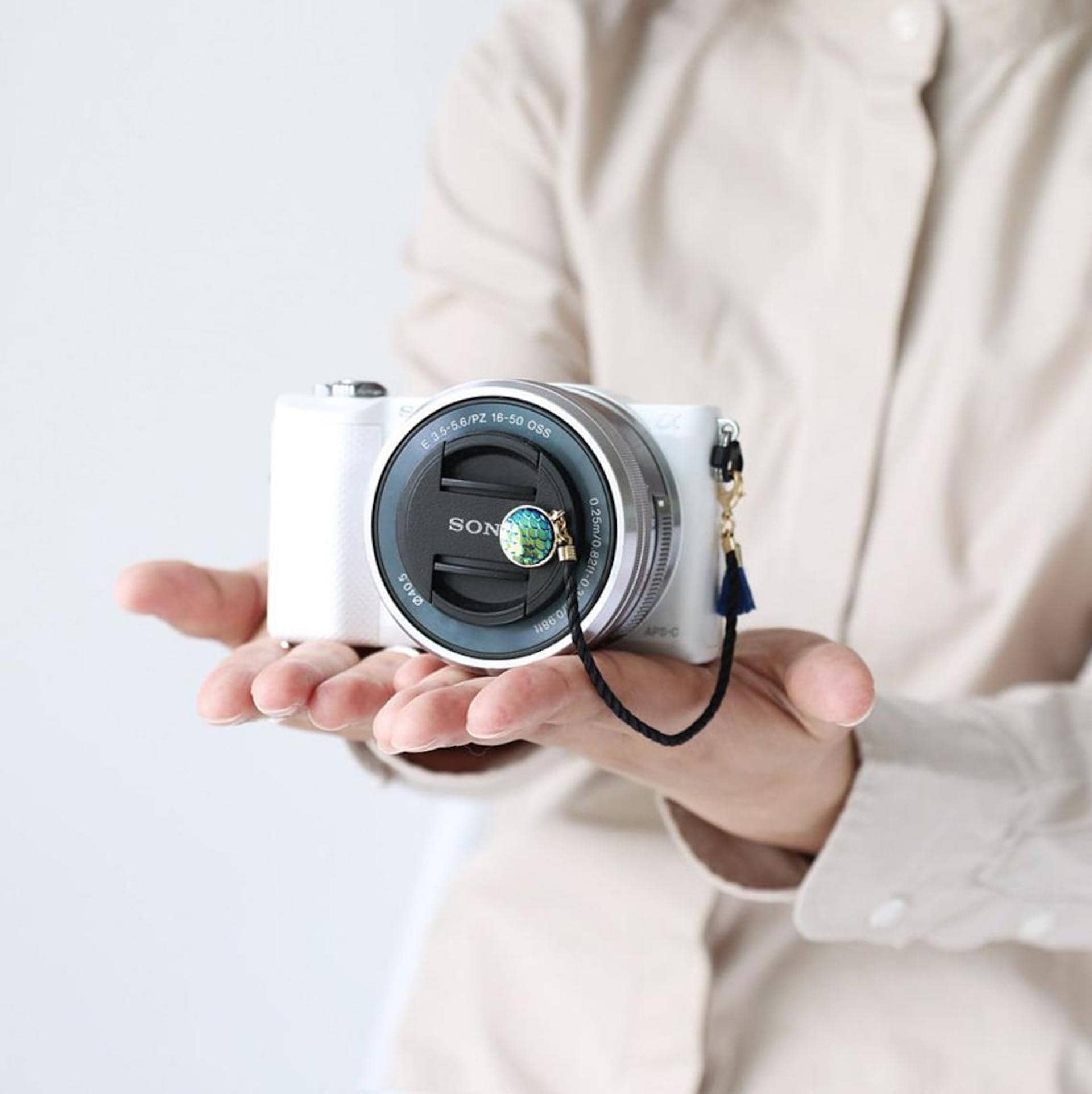 Best Photo Gifts for Photographers - Ideas Photographer Lovers - Lens Cap Holder