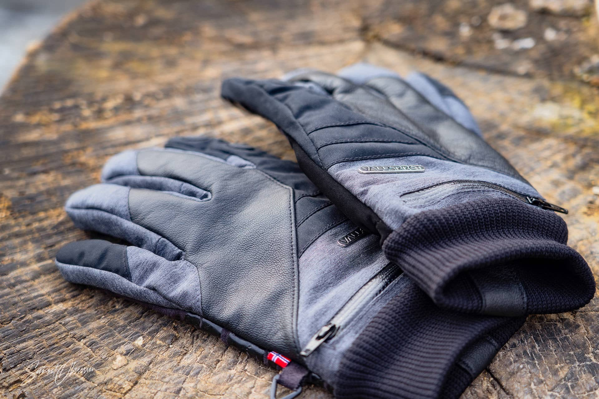Best Photo Gifts for Photographers - Ideas Photographer Lovers - Photo Grip Gloves