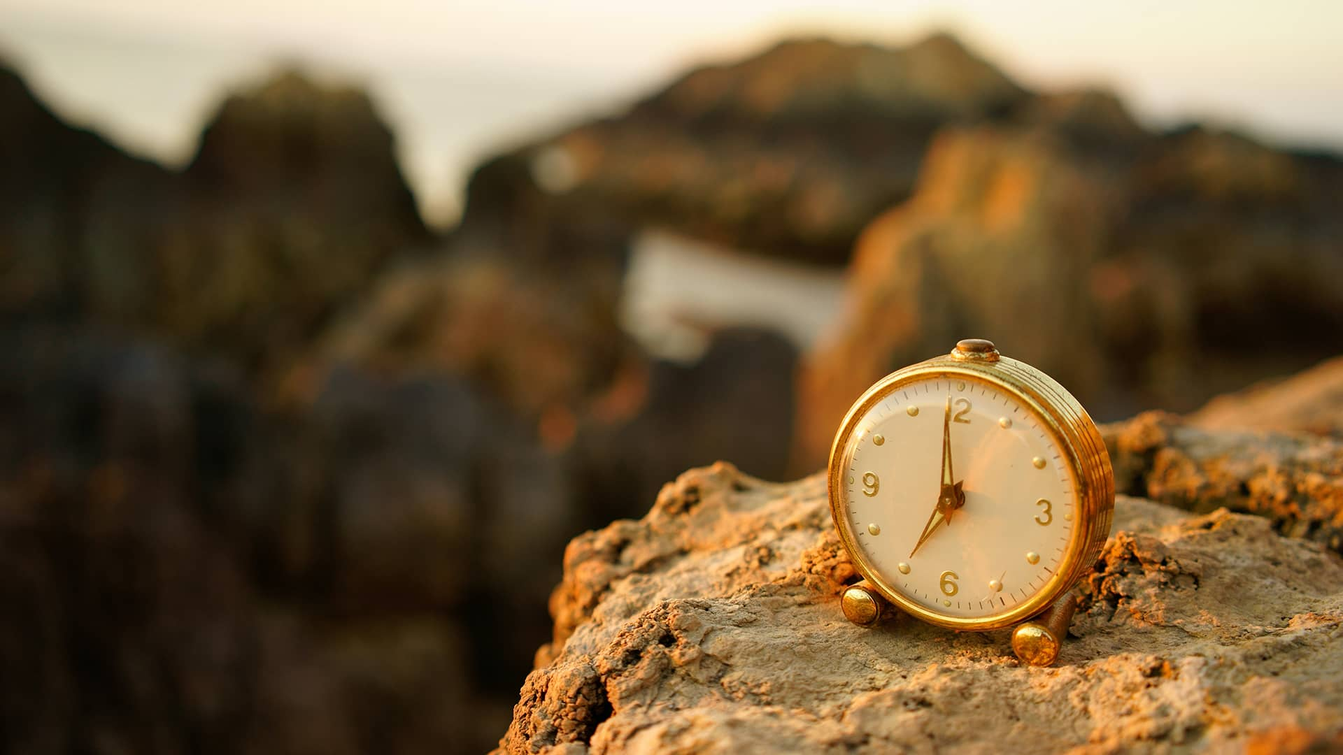 What is Ambient Lighting Photography — Natural Lighting Clock — Sunny 16